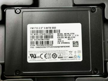 MZWLJ3T8HBLS-00007 Ổ cứng SSD 3.84TB Samsung PM1733 2.5 NVMe PCIe4 x4