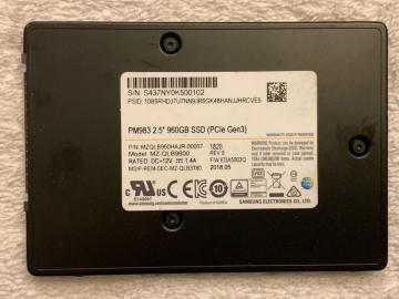 MZQLB960HAJR-00007 Ổ cứng SSD 960GB Samsung PM983 2.5 NVMe PCIe3.0 x4