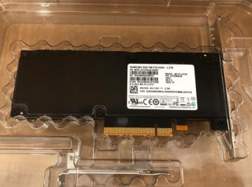 MZPLJ12THALA-00007 Ổ cứng SSD 12.8TB Samsung PM1735 HHHL NVMe PCIe4 x8